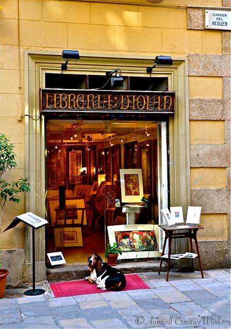 Barcelona Hound Dog